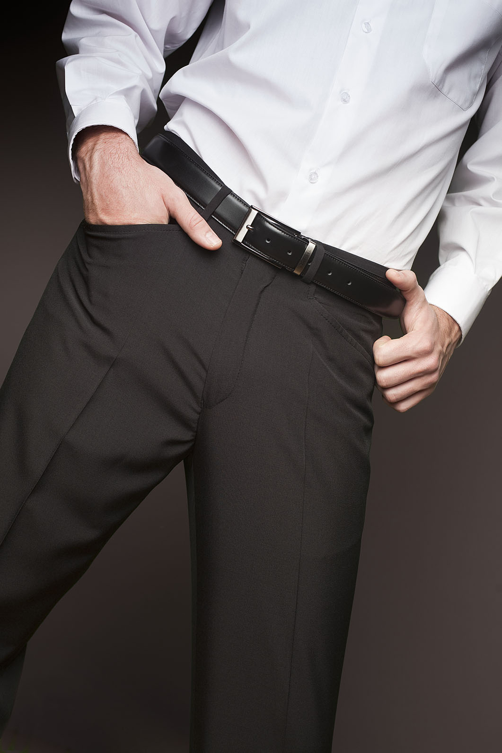 MEN'S UNPLEATED TROUSER