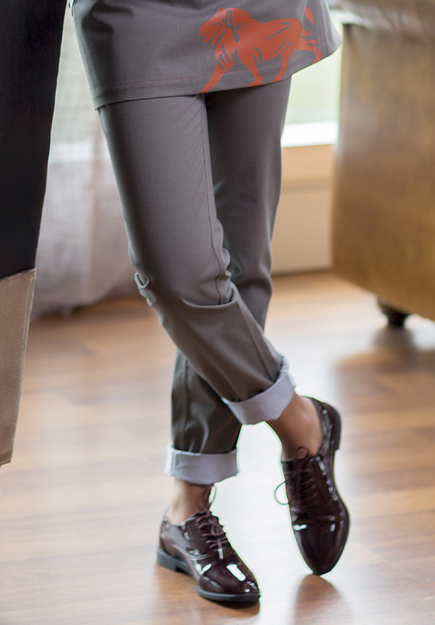 WOMEN'S SLIM TROUSERS. COMBINED