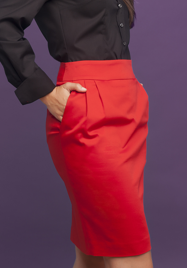 SKIRT WITH PLEATS AND POCKETS