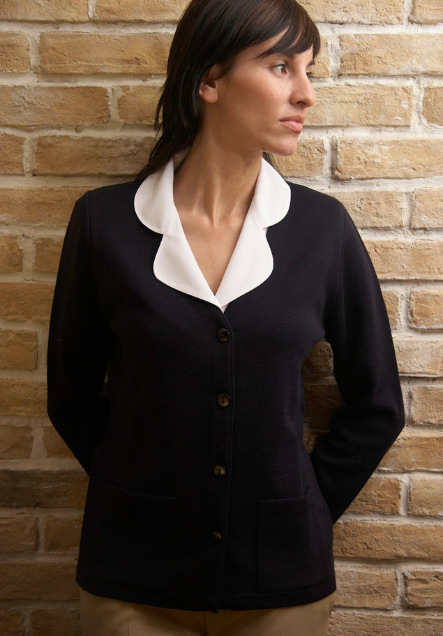 WOMEN´S V NECK 4 BUTTON CARDIGAN